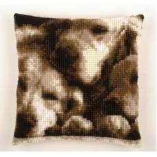 Подушка Спящие собаки набор для вышивания