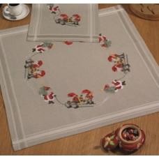 Скатерть Гномы с ёлкой, набор для вышивания