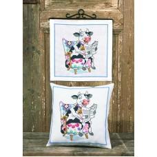 Набор для вышивания подушки Читающая корова