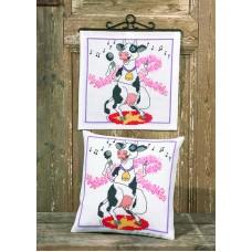 Набор для вышивания подушки Поющая корова