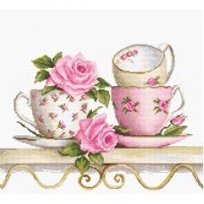 Набор для вышивания Чайные чашки с розами
