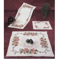 Набор для вышивания салфетки Розы и бабочки