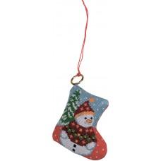Набор для вышивания ёлочного украшения Снеговик на елке