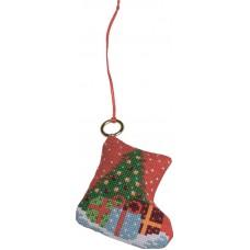 Набор для вышивания ёлочного украшения Носок с подарками