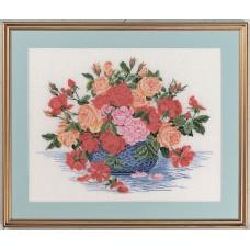 Набор для вышивания Букет роз в синей вазе, лён 26 ct