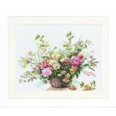 Набор для вышивания Booket Of Roses  LANARTE (арт.34714)