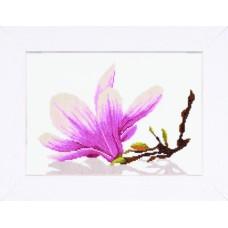 Набор для вышивания Magnolia Twig With Flower  LANARTE (арт.35109A)