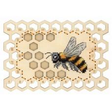 Набор для вышивания Щепка О-025 Органайзер Пчела 13х19 см